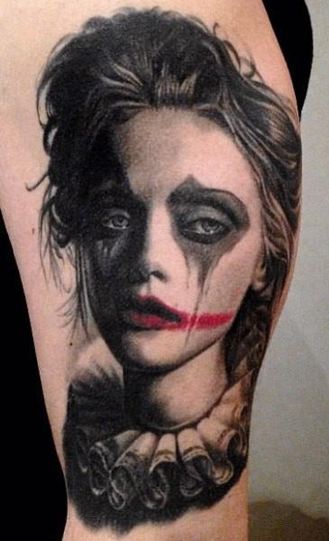 bellissima ragazza pagliaccio triste tatuaggio