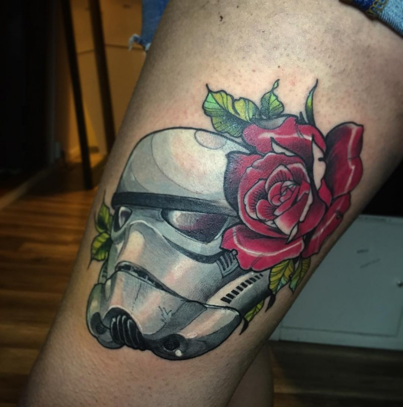 Marvelous colored thigh tattoo of Storm trooper with flowers