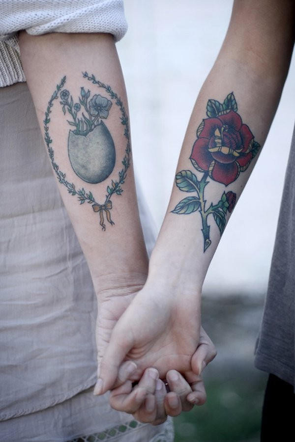 Matching cute friendship tattoos on hands