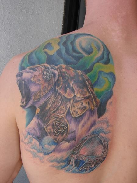 orso minaccioso armatura tatuaggio