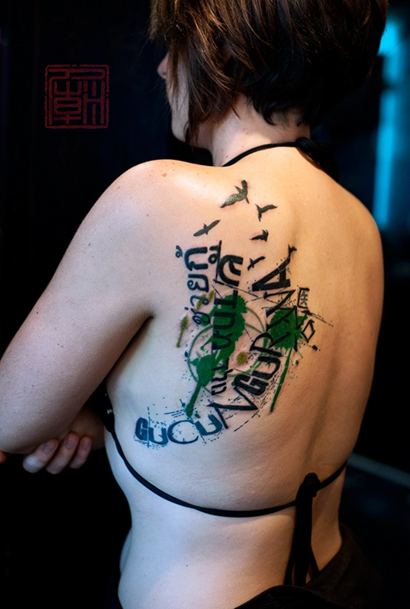 Modern style colored lettering tattoo on shoulder combine with black birds