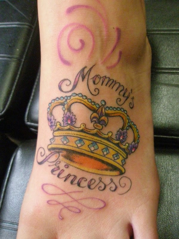 Mommy&quots princess crown tattoo on foot