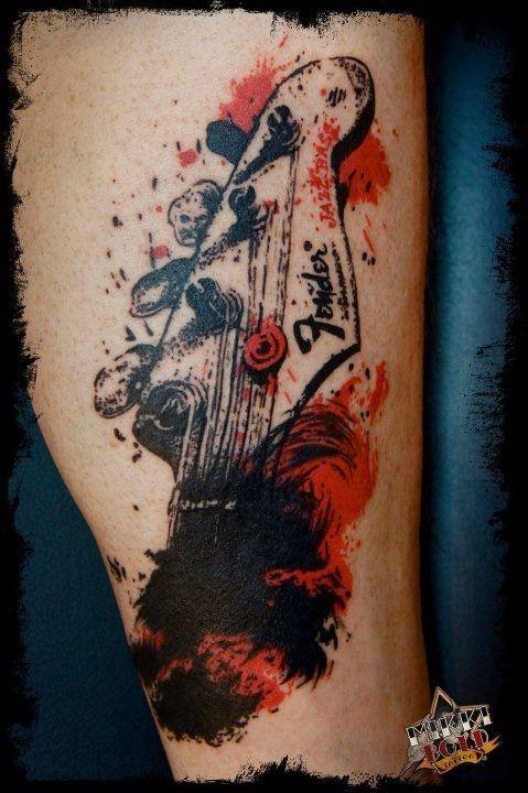 bel tema musicale piccolo colorato astratto tatuaggio su gamba
