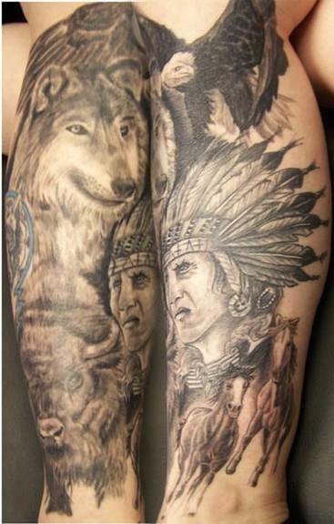 Tatuaggio impressionante sul braccio la scena in stile indiano il lupo & l&quotindiano & i cavalli