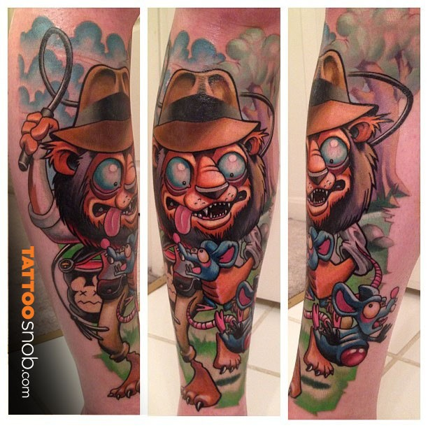Neo traditional style colored leg of creepy lion with mouse