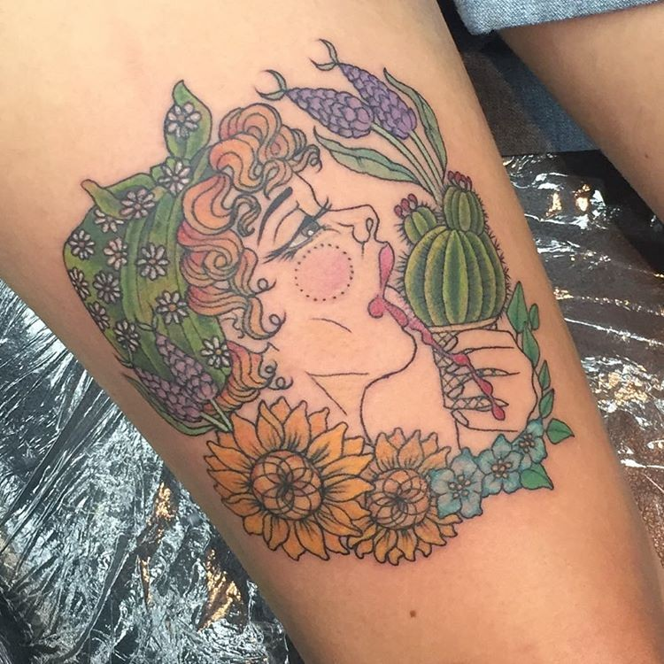 New school style colored thigh tattoo of beautiful woman with flowers