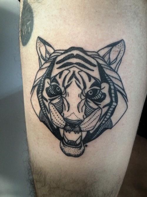 nuovo stile grigio nero testa tigre tatuaggio