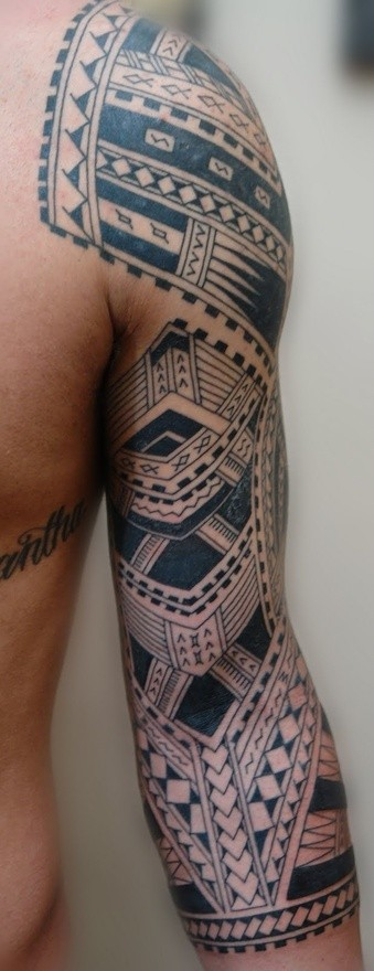 Nice detailed polynesian tattoo on full sleeve