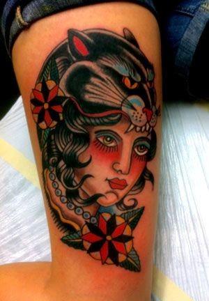 vecchia scuola pantera nera con donna tatuaggio