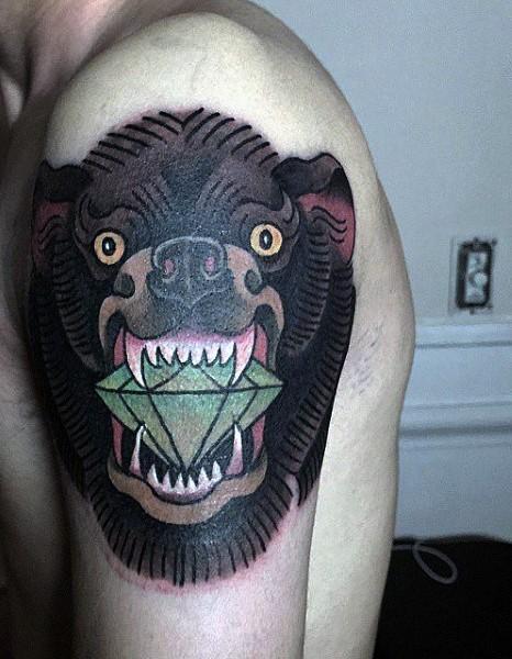 vecchia scuola stile colorato grande testa di orso con diamante verde tatuaggio su spalla
