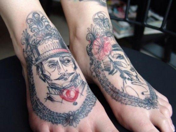 ritratti al tratto grafica originale tatuaggio sui piedi da Marta Lipinschi
