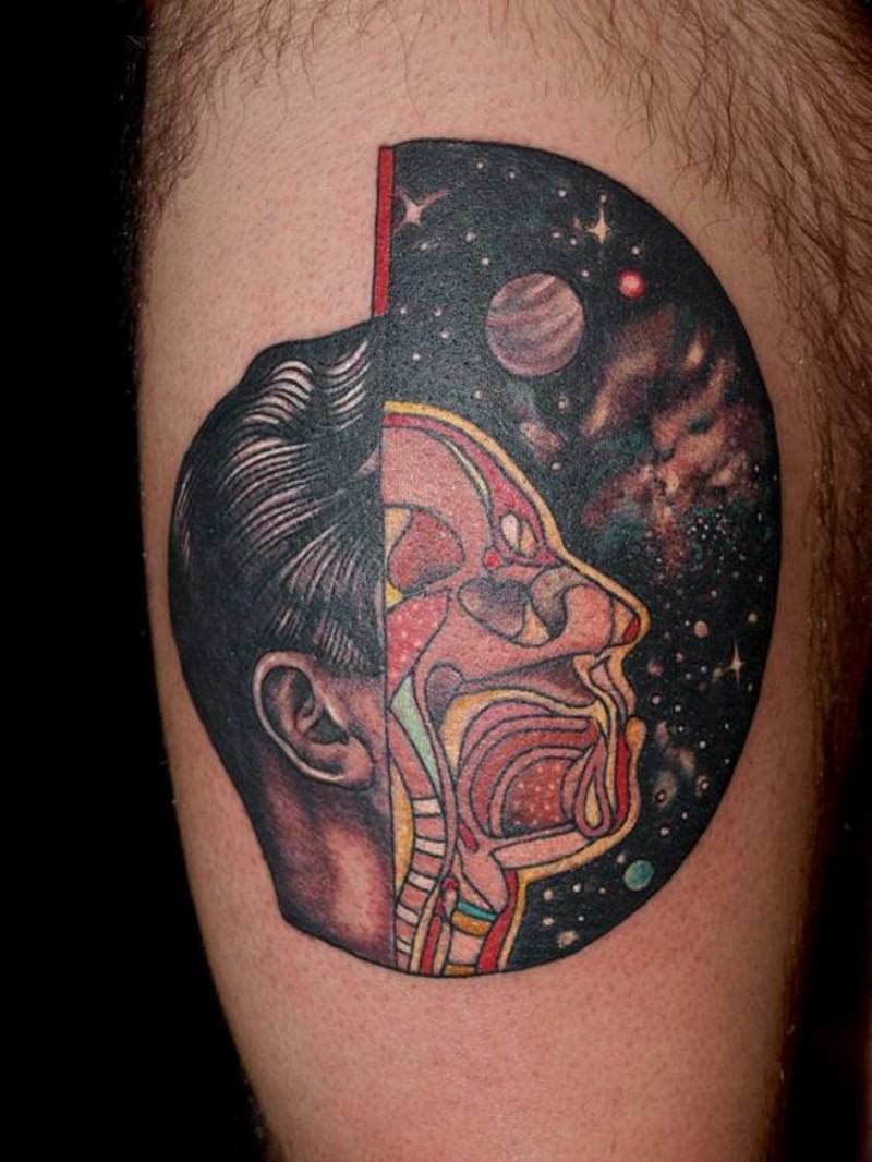 originale dipinto meta uomo meta spazio tatuaggio su braccio