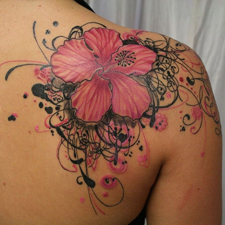 inchiostro fucsia fiore hawaiana con riccioli particolari tatuaggio su schiena