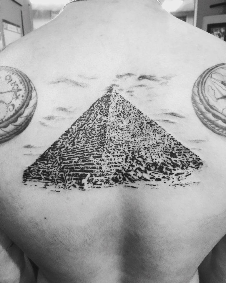 Real photo like black ink 3D tattoo of Egypt pyramid