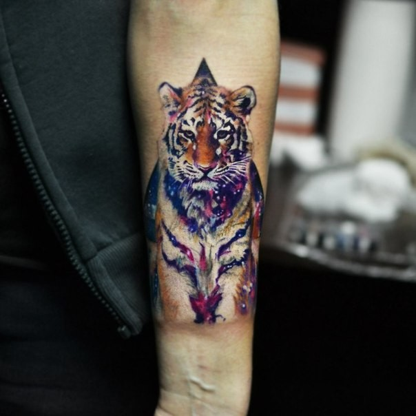 Realism style colored forearm tattoo of big tiger