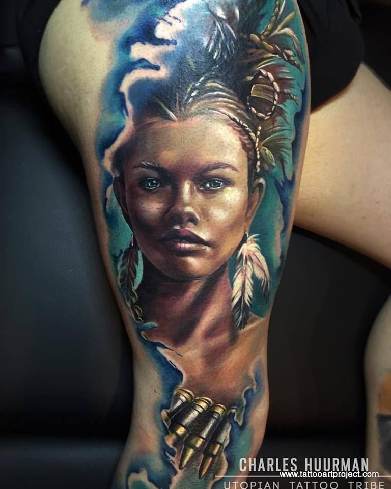 Realismus Stil indianische Frau Porträt gefärbtes Tattoo am Oberschenkel