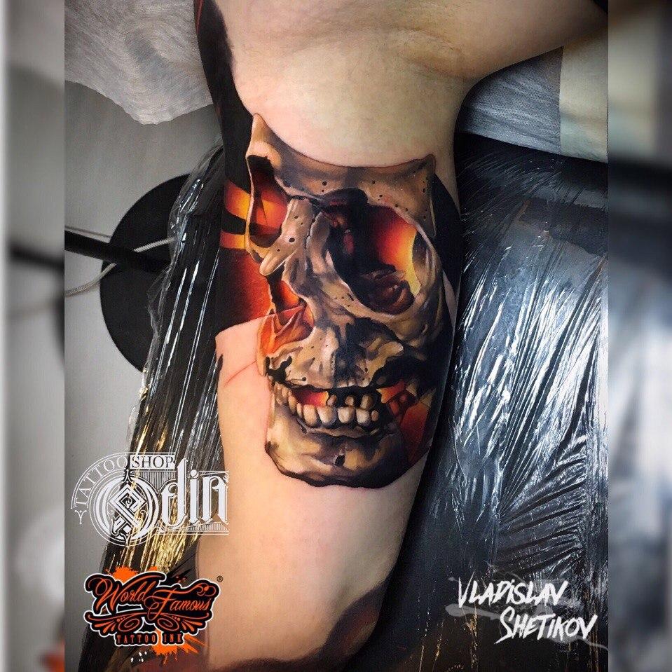 Realistic 3D skull tattoo