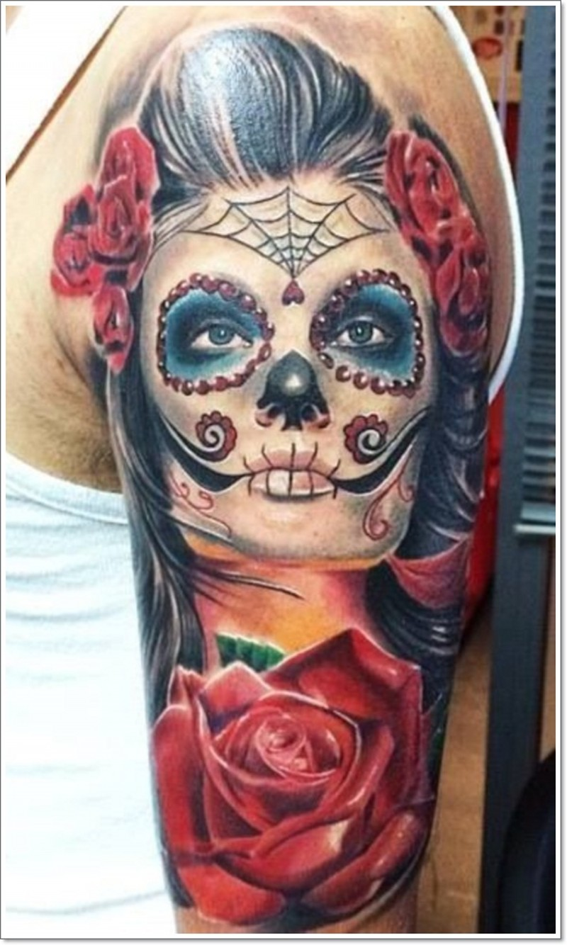 Tatuaggio realistico Santa Morte con le rose rosse grande