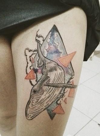 semplice stile geometrico balena tatuaggio su coscia