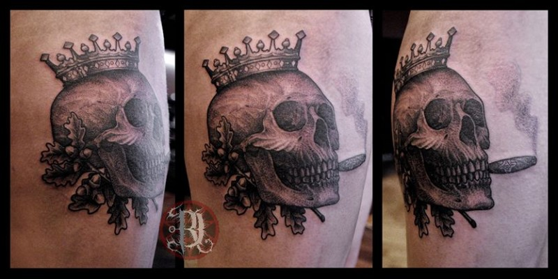 Small black and gray style smoking human skull tattoo stylized with crown