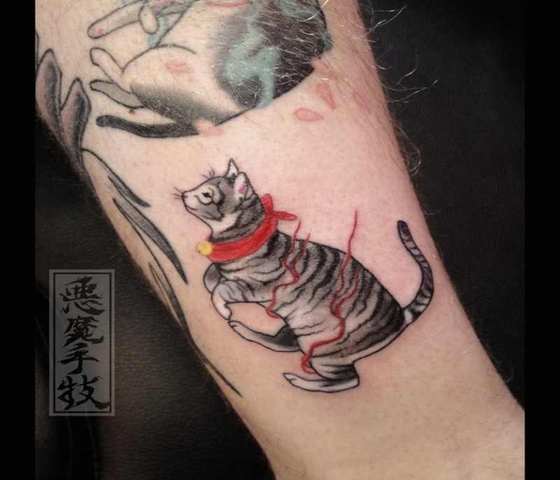 Small cartoon style tattoo of maneki neko japanese lucky for Small japanese tattoos