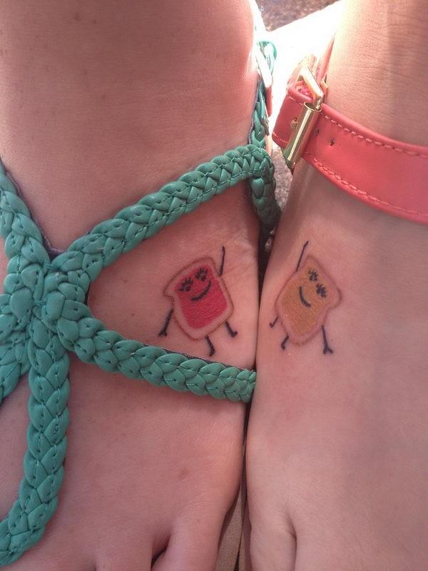 piccolo tatuaggio tosto animato amicizia su due piedi