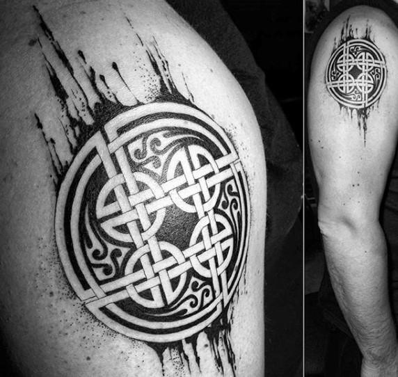 Spectacular looking black ink shoulder tattoo of Celtic knots