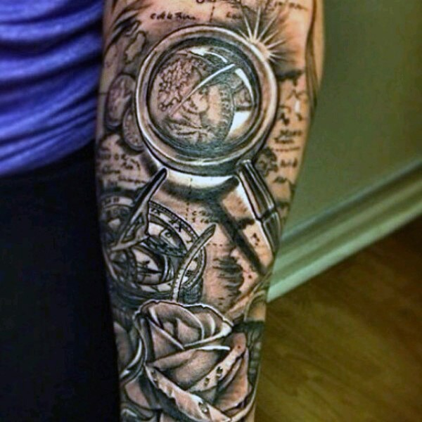 Stunning designed realistic old sun clock with lope tattoo for Realistic sun tattoo
