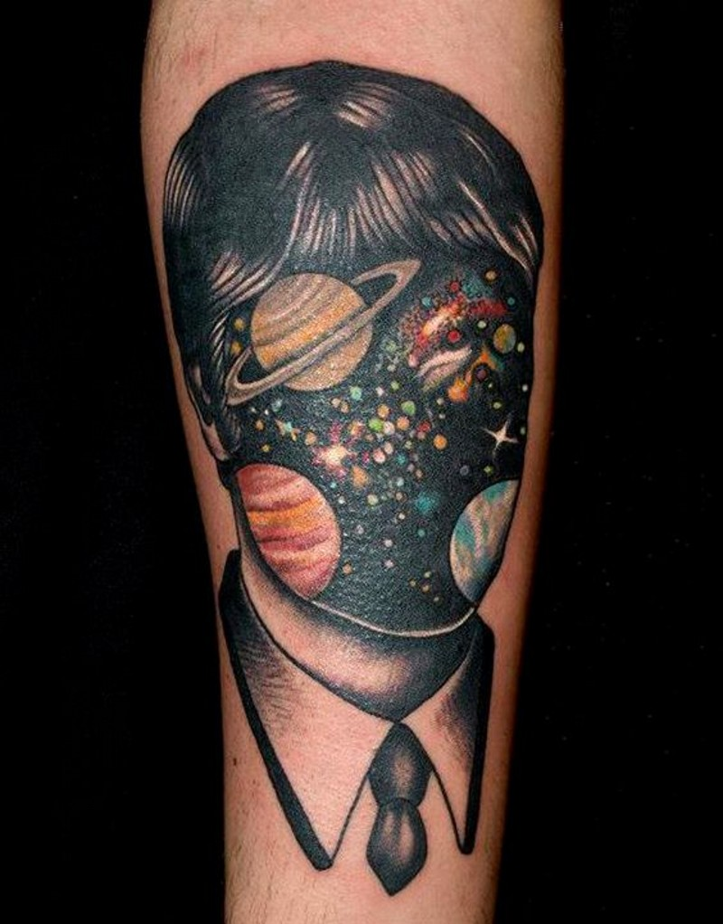 sbalorditivo dipinto meta uomo meta spazio tatuaggio su gamba