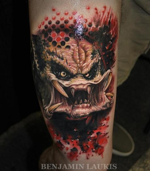Superior 3D colorful very realistic looking Predator tattoo