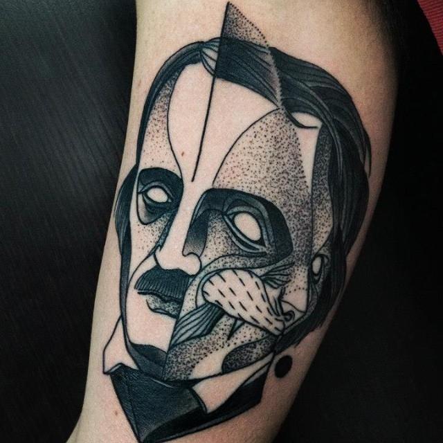 Tatuaggio del braccio di inchiostro nero stile surrealismo di donna ritratto di Michele Zingales