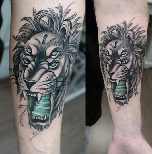 Lo stile surrealista ha colorato il tatuaggio dell&quotavambraccio del leone demoniaco con l&quotintero tasto