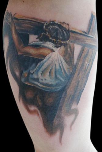 Le Tatouage De Jesus Portant Un Croix En Couleur Tattooimages Biz