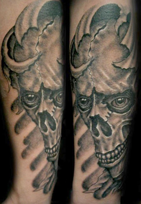 Skull looking deep in soul 3d tattoo
