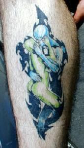 Kissing humanoids coloured tattoo