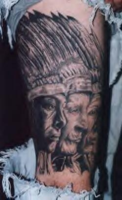 Capopopolo americano tatuaggio profilo