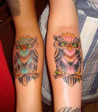 Tattoo von Eulen  am Arm
