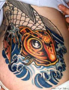 Grande tatuaggio Carpa giapponese (Koi fish) dorata