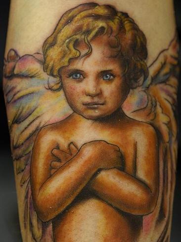 bimbo cherubino tatuaggio colorato