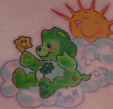 verde orsetto in cielo tatuaggio