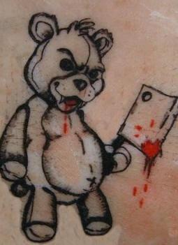 cattivo orsetto tatuaggio nero