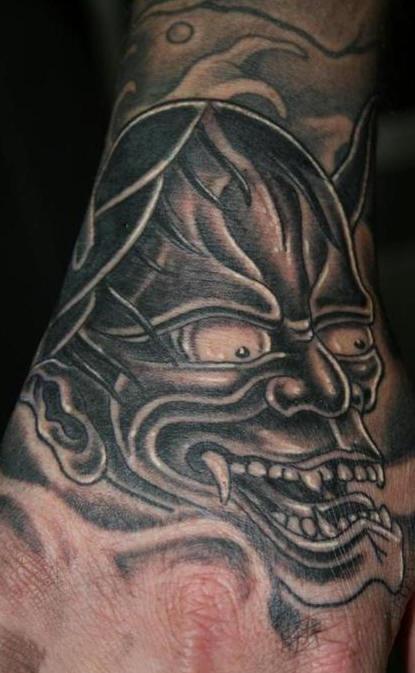 demonio nero tatuaggio