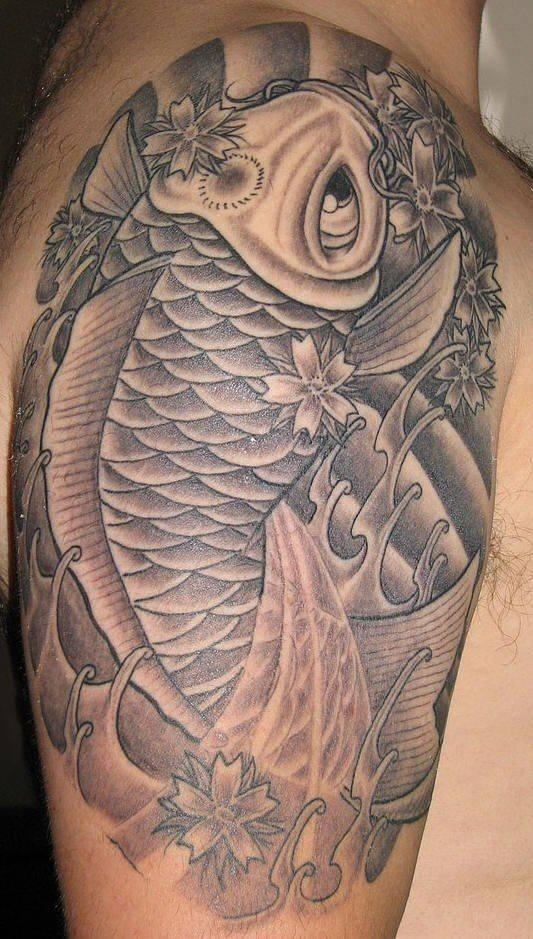 pesce koi inchiostro nero tatuaggio
