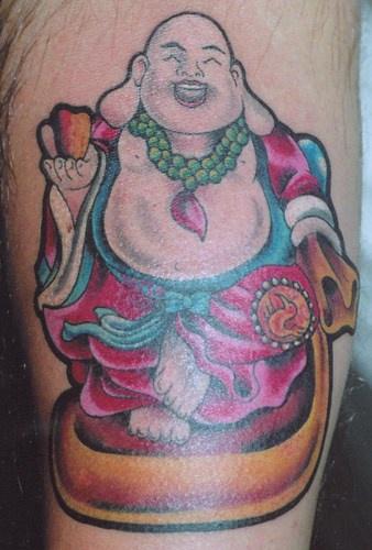 buddha sorridente tatuaggio colorato