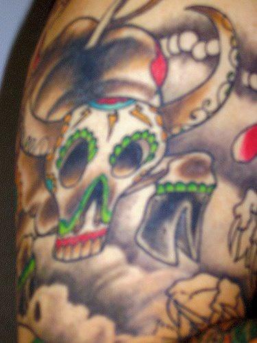 giorno morti stile cranio toro tatuaggio colorato
