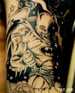 Batman comico di notte tatuato