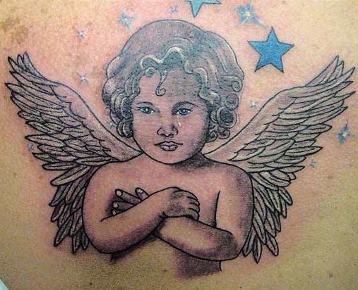 splendido cherubino angelo tatuaggio colorato