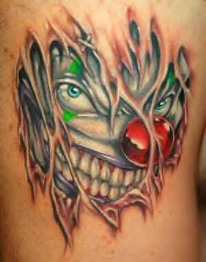 3d pagliaccio sotto pelle tatuaggio colorato