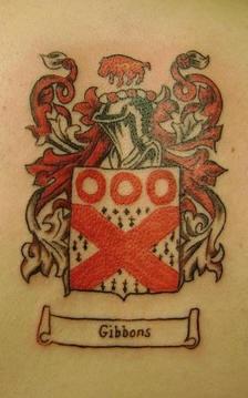 stemma di famiglia gibbons inchiostro rosso tatuaggio
