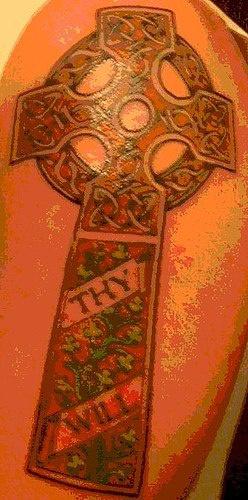tua volonta croce di pietra tatuaggio colorato